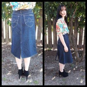 Gorgeous vintage 80's indigo denim skirt!